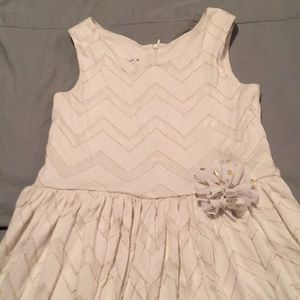 Girls dress size 8